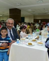 KSÜ İdari Personeli, İftar Yemeğinde Bir Araya Geldi