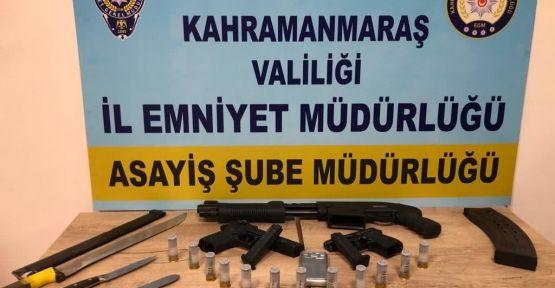 KAHRAMANMARAŞ POLİSİ KISITLAMADA MAGANDALARA GÖZ AÇTIRMIYOR